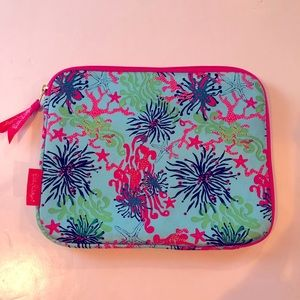 LILLY PULITZER Sea Life Padded Zip Tech Case